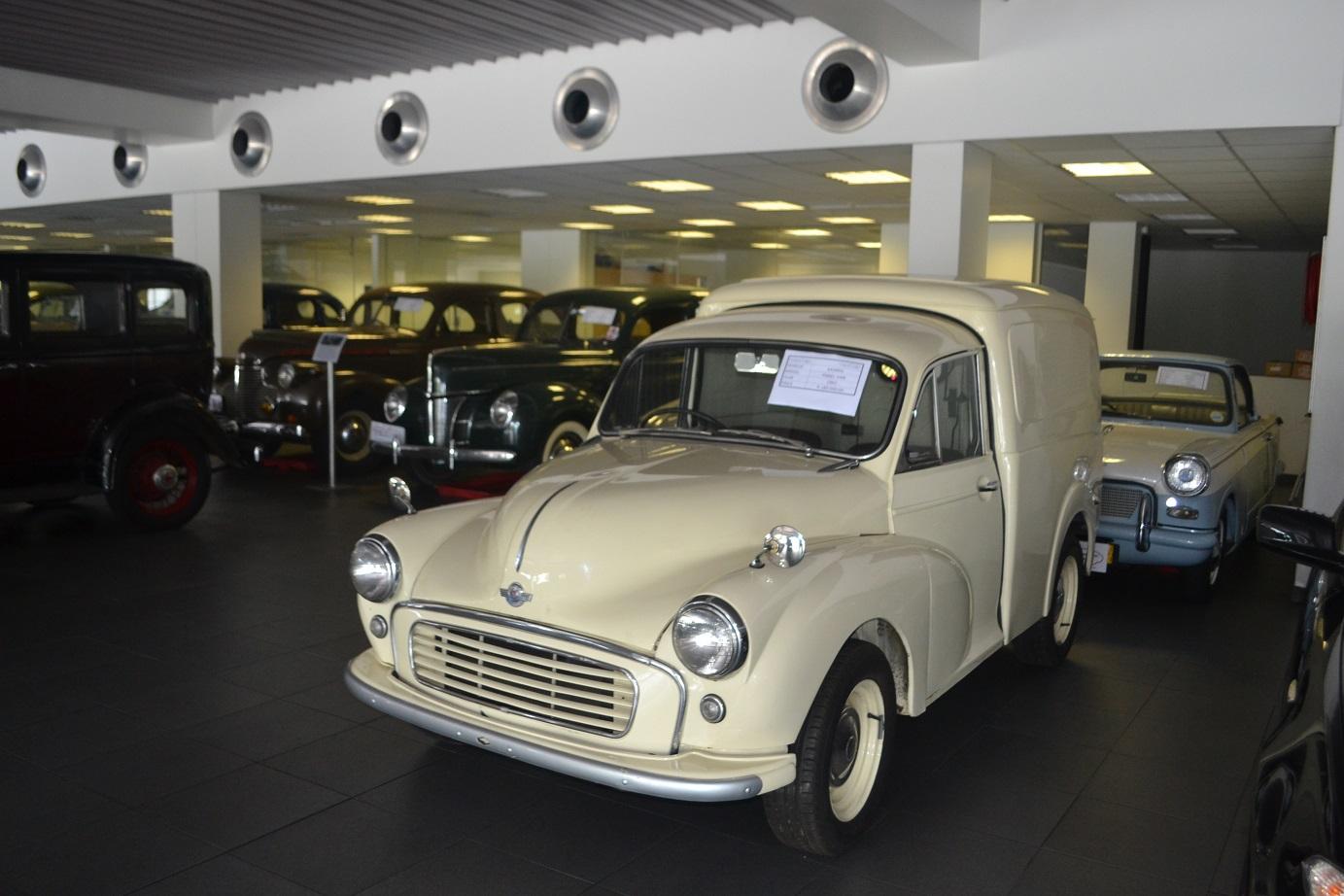 1961 Morris Panel